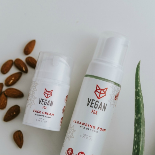 face care bundle for dry skin face cream and cleansing foam vegan fox